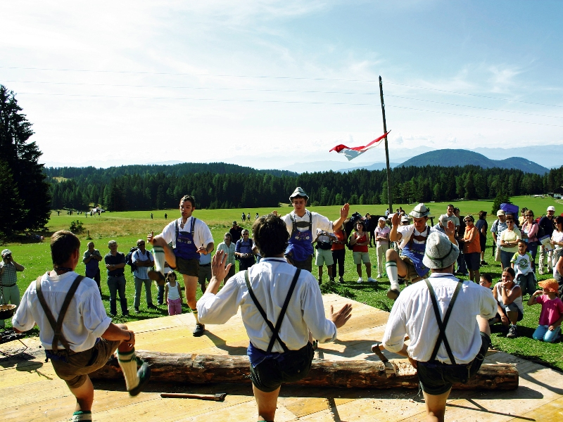 Eggental, Südtirol, Wanderherbst, Wanderurlaub, Wandern, Dolomiten, Rosengarten, Latemar, Schlern, Zwergenkönig Laurin, Oldtimer, Musikfestival, Kulturfestival