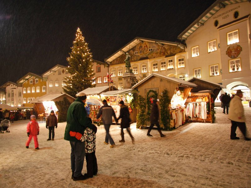 Bad Tölz Advent Lichter Marktstraße Weihnachten Christkindlmarkt Weihnachtsmarkt Winter