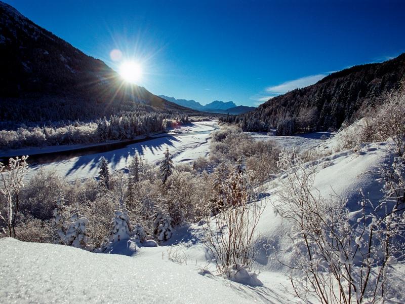 Zugspitz Region Winterwandern sanfter Wintersport