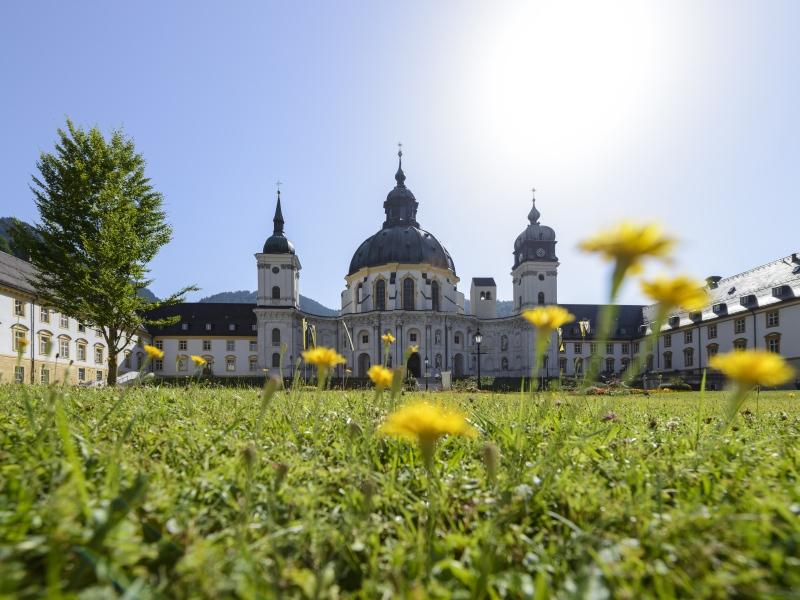 Zugspitz Region Ammergauer Alpen Kloster Ettal Landesausstellung