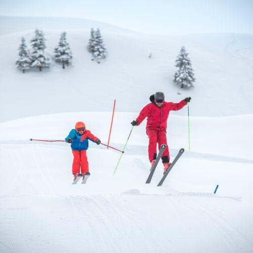 Vater und Kind Winter Skifahren Kitzbühel