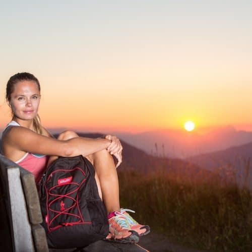 Frau Wandern Sonnenuntergang