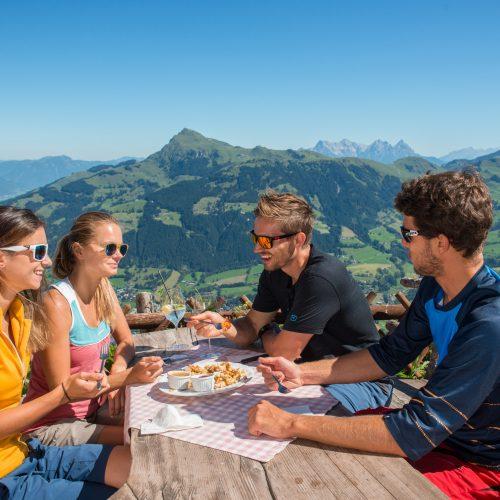 Essen auf der Hütte Kitzbühel