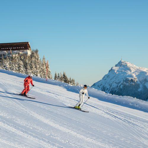 Skifahrer in Kitzbühel Hahnenkamm Hütte