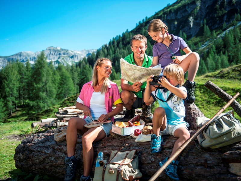 Familienpicknick, Essen, Familie, Berg, Wandern