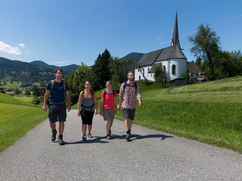 Naturpark Ammergauer Alpen Wanderer