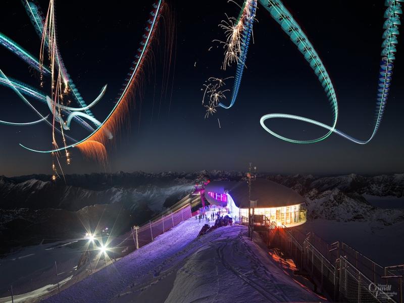 Feuerwerk bei Saisaon Eröffnung am Pitztaler Gletscher