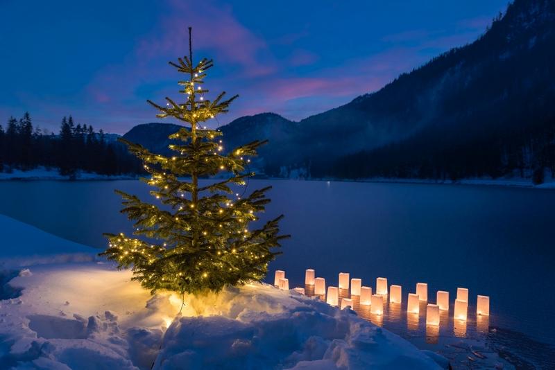 Tannenbaum, beleuchtet, Pillersee