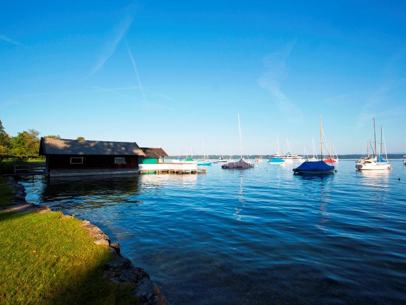 Ausblick auf den Starnberger See von Tutzing im Sommer