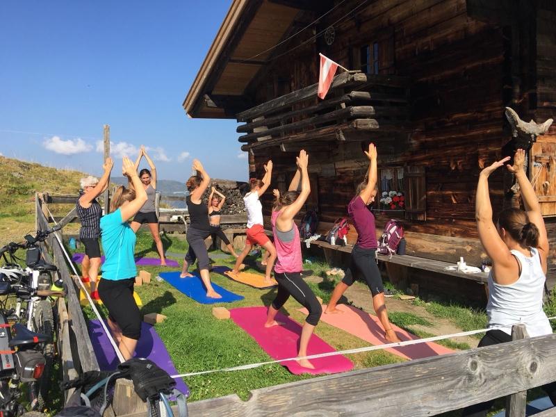 Yoga auf der Alm in der Wildschönau