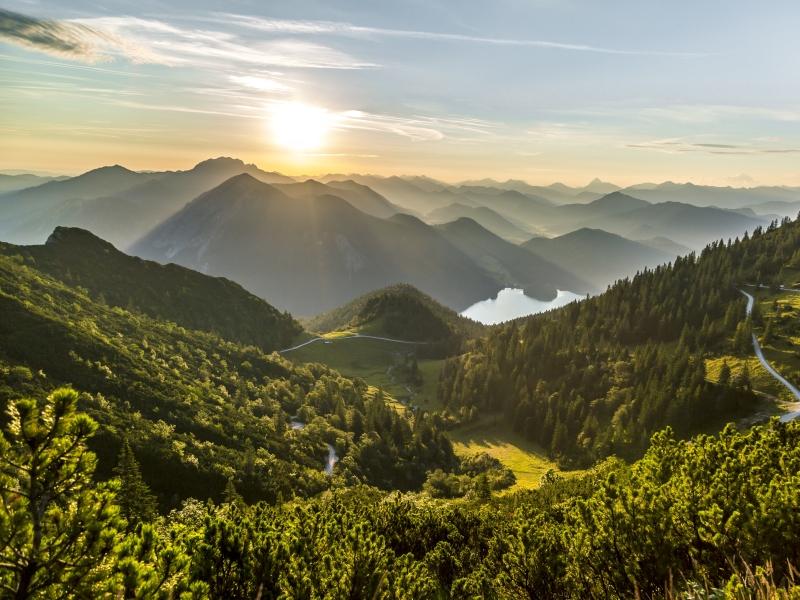 Sonnenaufgang Herzogstand am Morgen