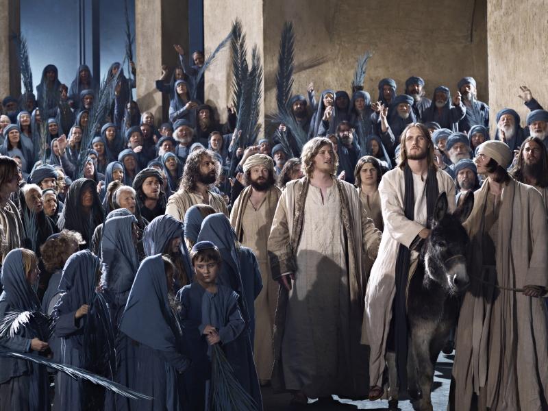 Passionspiele Oberammergau Jesus betritt Jerusalem reitend auf Esel