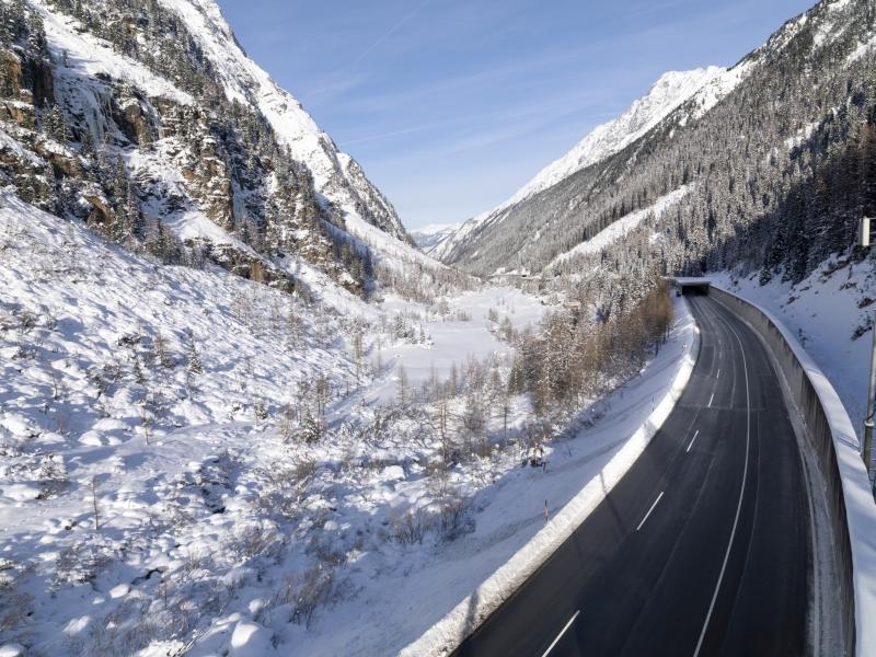 Felbertauernstraße geräumt Sonne Schnee
