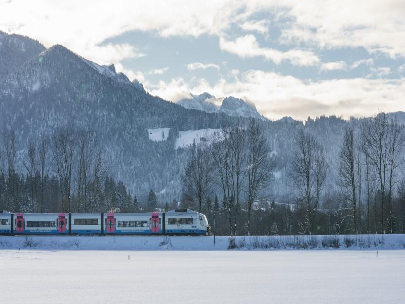 BOB Zug Winterlandschaft Brauneck