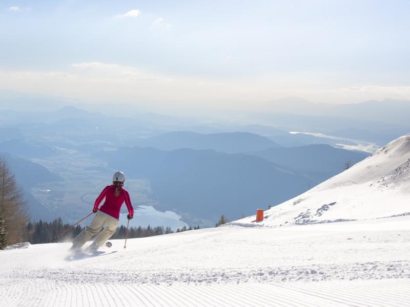 Skifahrerin Abfahrt Millstätter See