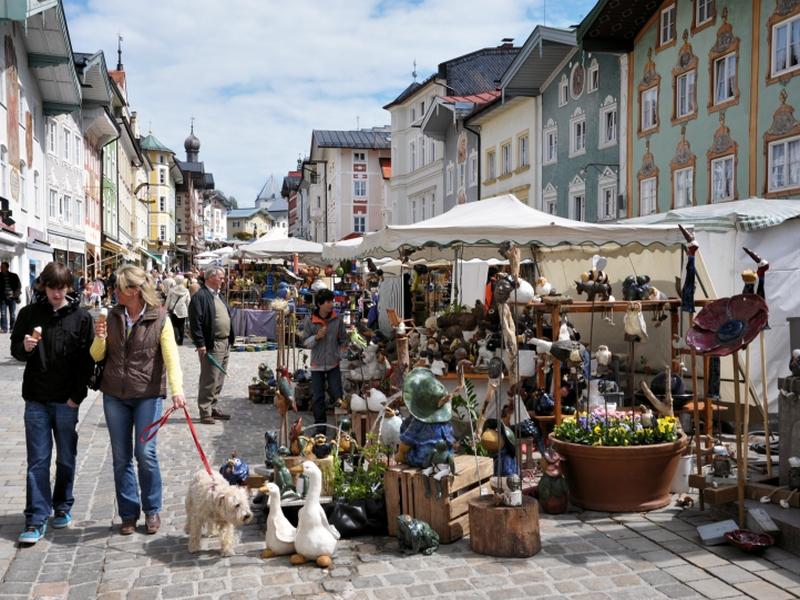Ostermarkt Marktstrasse Bad Tölz Stände