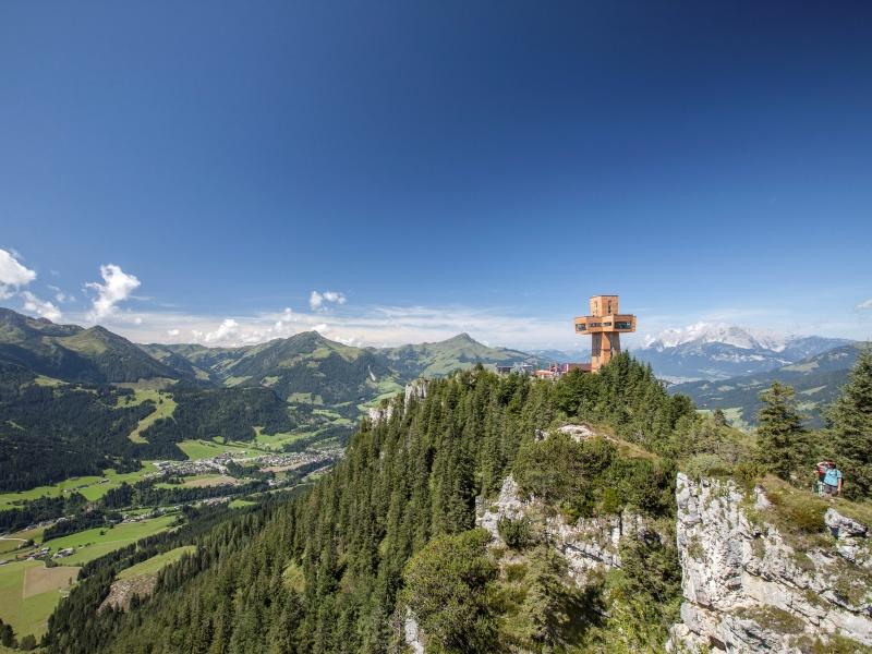 Jakobskreuz auf Buchensteinwand