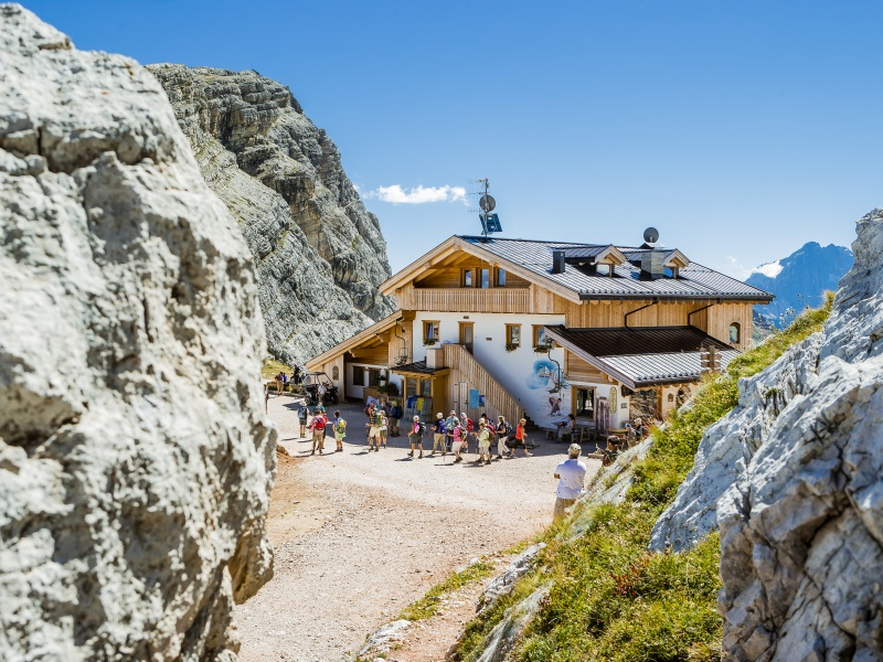 Rifugio averau Berghütte Wandergruppe
