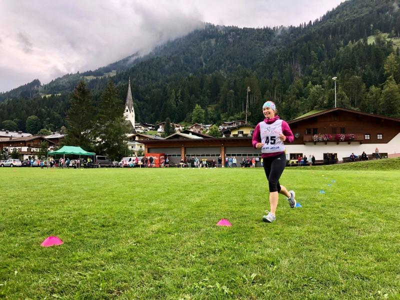 Läuferin beim Biathlon