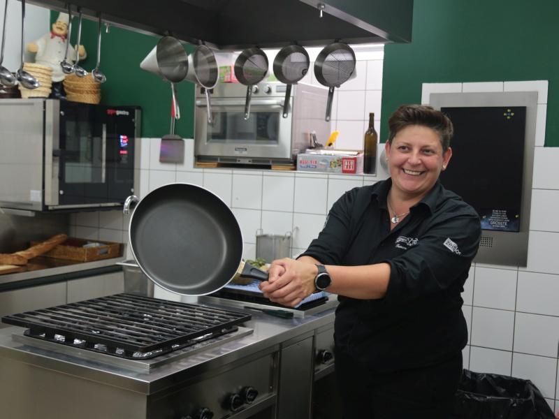 Tamara Lerchner Küche Pfanne
