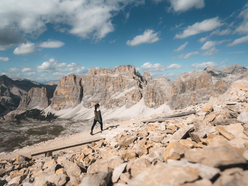 Einsame Wanderung Frau Felsen