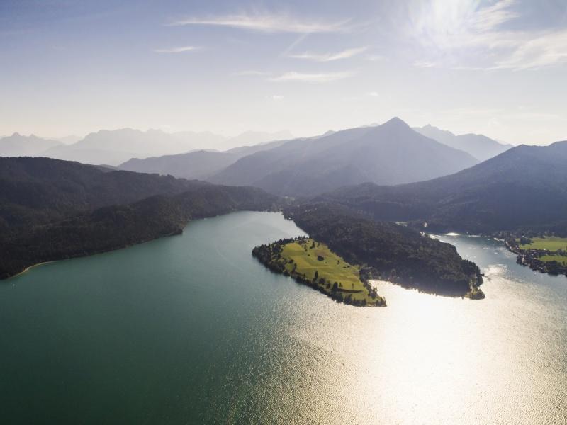 Walchensee mit Insel Luftbild