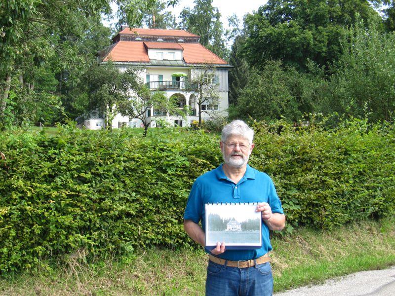 Martin Hake vor Thomas Mann Villa