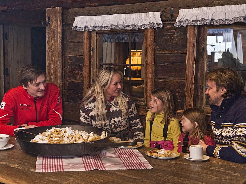 Familie Kaiserschmarrn Hütteneinkehr