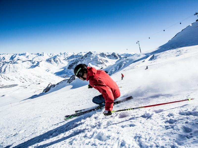 Skifahrer am Pitztaler Geletscher