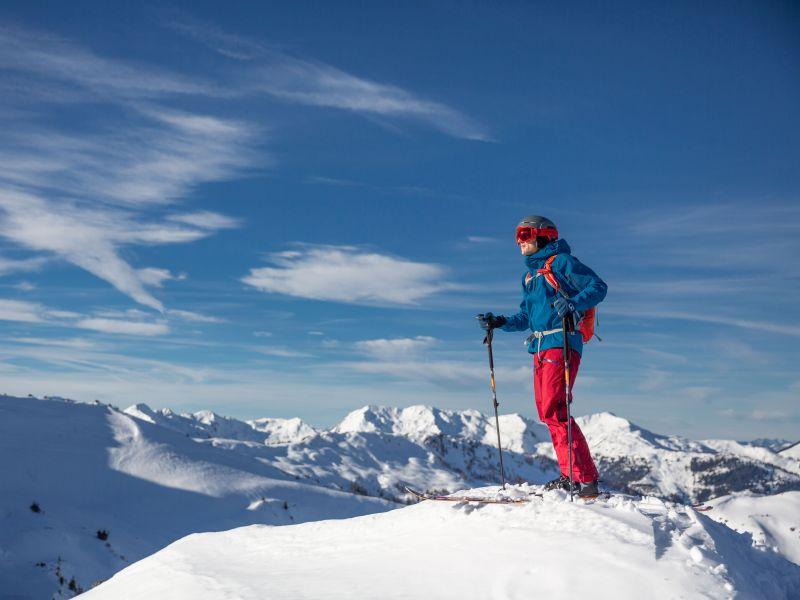 Skitourengeher Aussicht KAT-Skitour