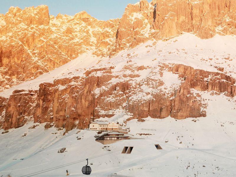Rendering unsichtbare Bergstation Kabinenbahn König Laurin Carezza