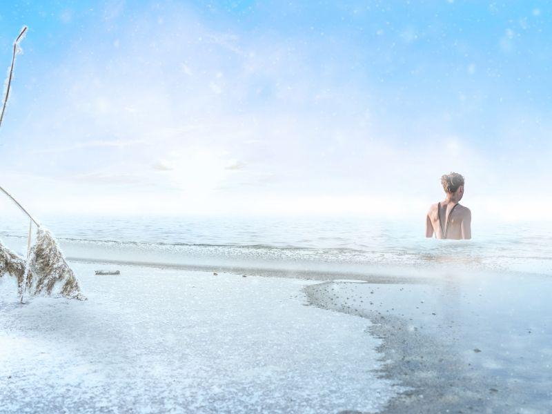 Eisbadende Frau