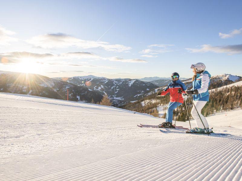 Skifahrer frische Piste