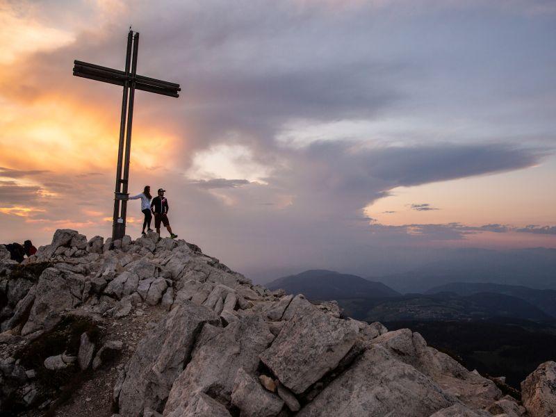 Sonnenunterganzg Gipfelkreuz Eggental
