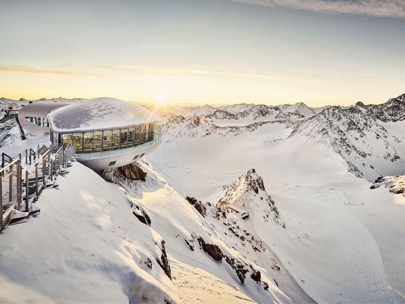 Weitblick über die Berge vom Pitztaler Gletscher