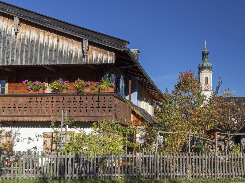 Ortsansicht Lenggries mit Kirche
